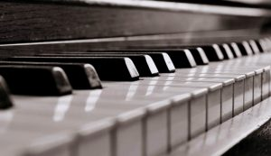 sięgnij po lekcje gry na pianinie od Smileflow Kraków